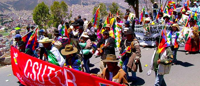 Marcha en Bolivia a favor de la constitución de  2008.