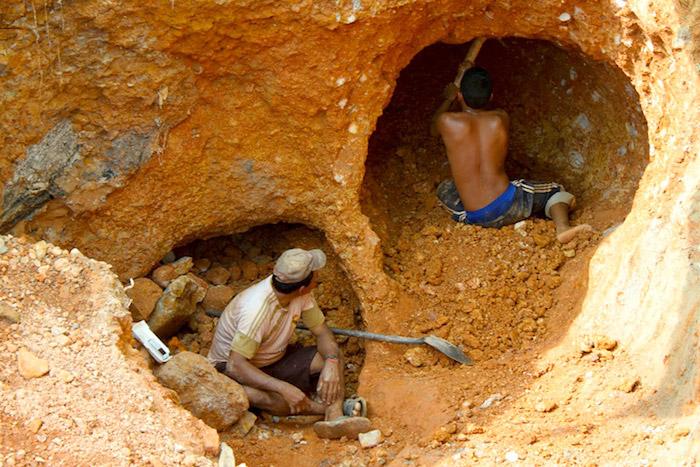 Socavón mina de oro