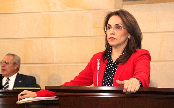 Senadora Viviane Morales, ponente del proyecto en mención.