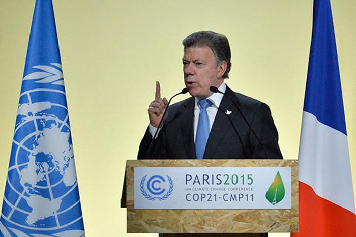 Presidente Juan Manuel Santos en la Cumbre Mundial del Cambio Climático en París.