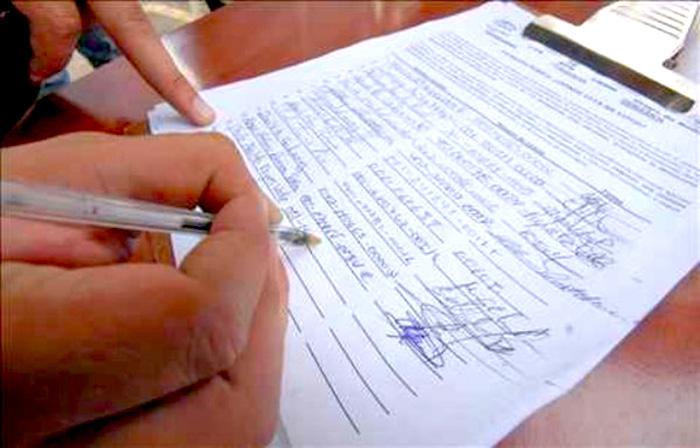 Recolección de firmas por la revocatoria a Peñalosa