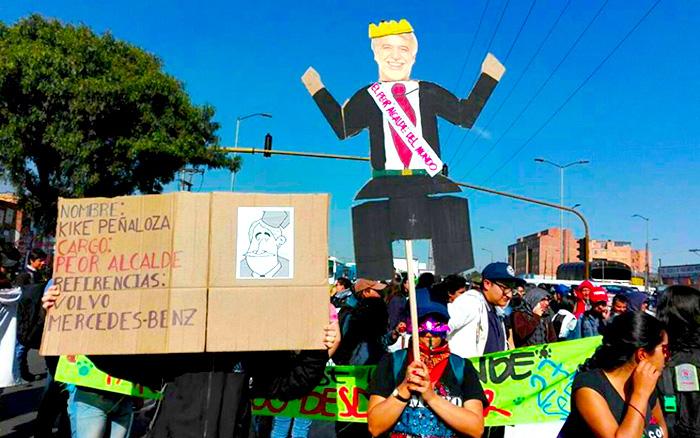 Marcha a favor de la revocatoria del Alcalde Enrique Peñalosa.