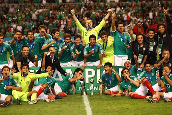 Selección de fútbol mexicano.