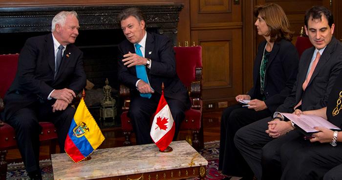 Presidente Juan Manuel Santos con el Gobernador de Canadá.