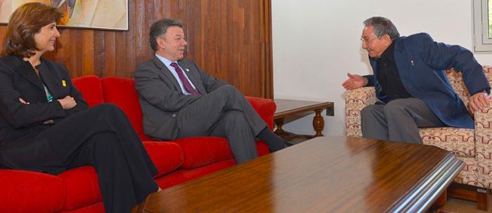 raul-castro-santosPresidente Juan Manuel Santos con el presidente Raúl Castro.exteriores-rojas-diana.jpg - 193.47 kB