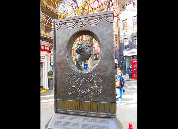 Homenaje a Agatha Christie en Londres.