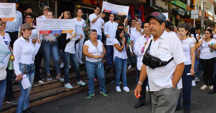 Marcha para exigir un mejor servicio de salud