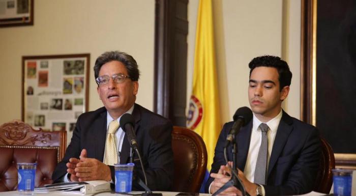 Ministro y Viceministro de Hacienda.
