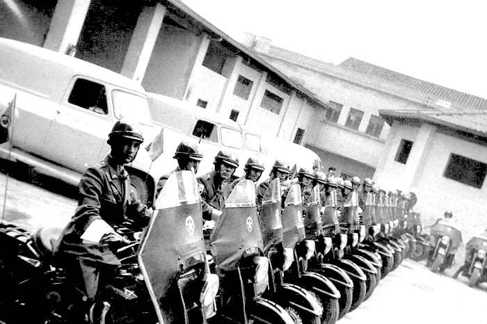 Primer escuadrón de policía motorizada en 1953.