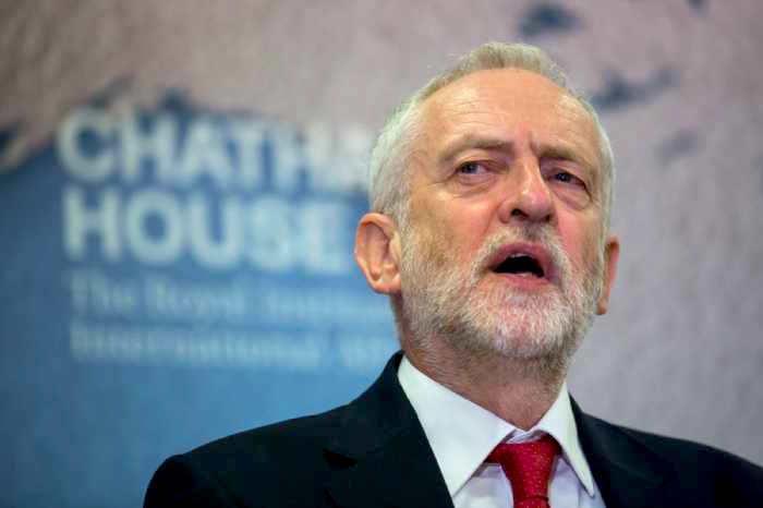Jeremy Corbyn impulsó la moción de confianza en contra de Theresa May y adelanta un acuerdo basado en el Plan Brexit del partido laborista.