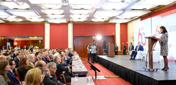 Presentación de las bases del plan de desarrollo.