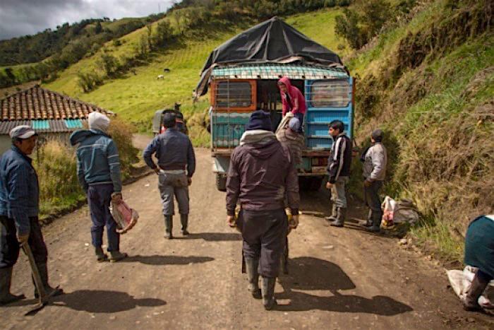 Campesinos del Cauca en riesgo por los enfrentamientos entre el EPL y las disidencias de las Farc.