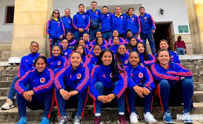 Selección femenina de futbol
