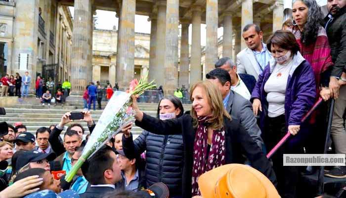 El Consejo de Estado decidió anular la curul de Ángela María Robledo por doble militancia.