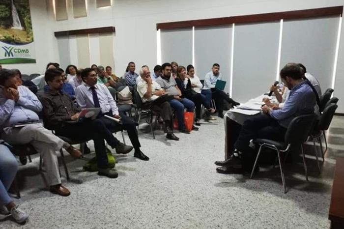 Reunion comunidad Santurban