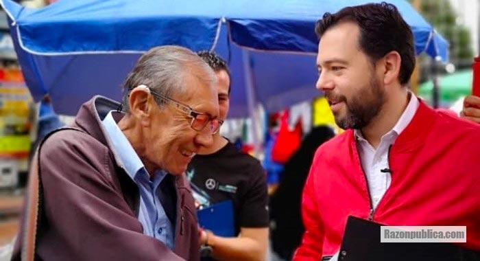 Carlos Fernando Galán en campaña para la alcaldía de Bogotá.