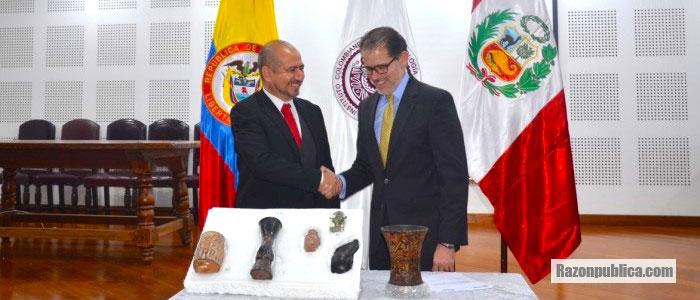 Director del ICANH, Ernesto Perez Montenegro reunido con el Embajador de Perú en Colombia.