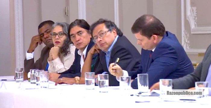 la oposición no fue invitada a la reunión.