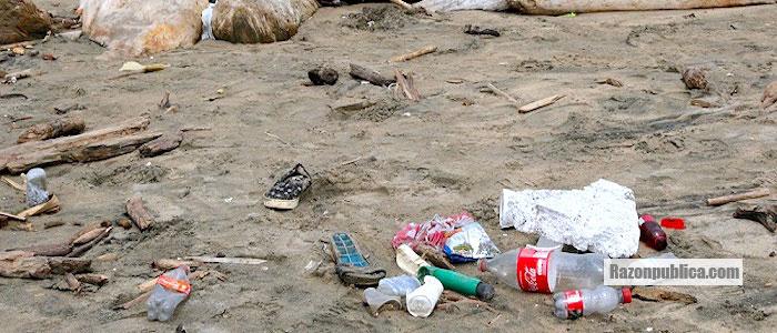 Isla de basura en Puerto Colombia
