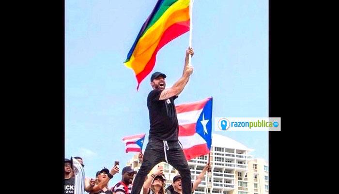 El gobernador Ricardo Rosello renunció debido a la presión de la gente tras la publicación de chats con mensajes homófobos, misóginos y racistas.