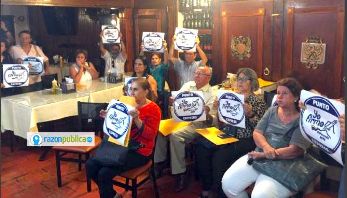 Herbin Hoyos y otros promotores del No adelantan la recolección de firmas para el referendo derogatorio de la JEP.