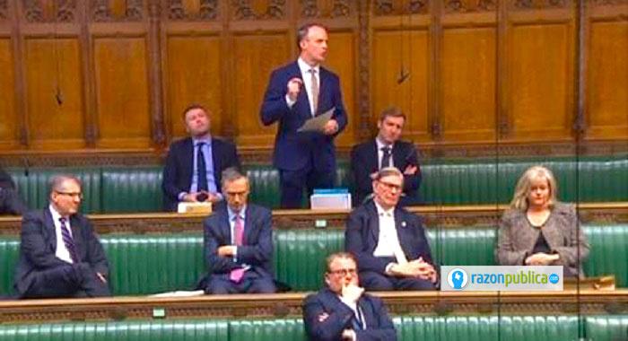 El gobierno de Johnson está conformado por brexistas puros. Dominic Raab, su Secretario de Relaciones Exteriores es una pieza clave.