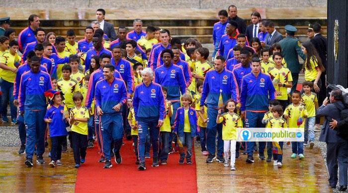 La Selección Colombia ha tenido siempre una conexión con la política y el momento que pasa el país.