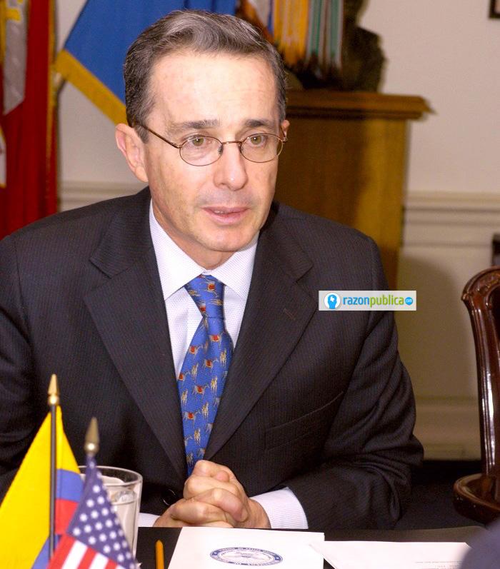 Uribe llegó a la presidencia en 2002 debido al cansancio de la sociedad colombiana frente a los excesos de la guerrilla.