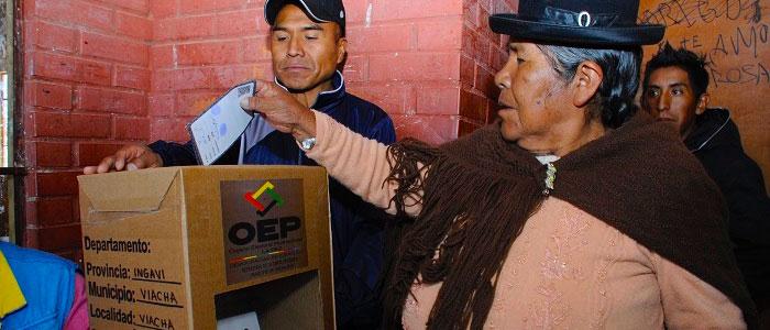 El fantasma del fraude está rondando en Bolivia y se espera que las élites lleguen a un acuerdo para evitar la escalada del conflicto.