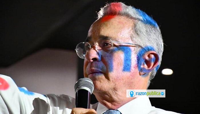Su séquito repite que Colombia sin Uribe se habría hundido.
