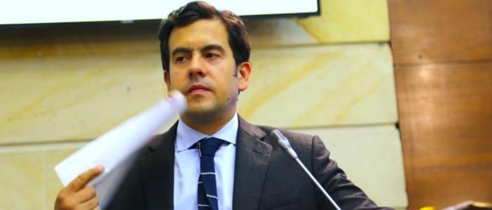Senador Rodrigo Lara.