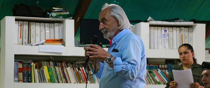Como conferencista y columnista también se destacó durante muchos años.