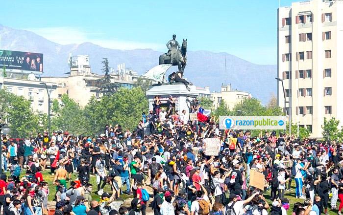 La sociedad chilena no está contenta con un país que crece económicamente pero que sigue siendo profundamente desigual.