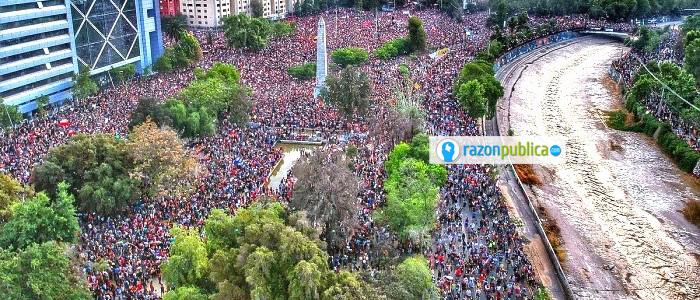 ¿Qué está pasando en América Latina? Plaza de la dignidad en Chile.