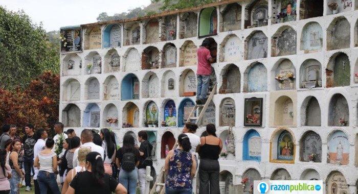 54 cuerpos en un cementerio de Dabeiba.